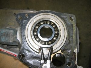 49_remove_bearing_cover